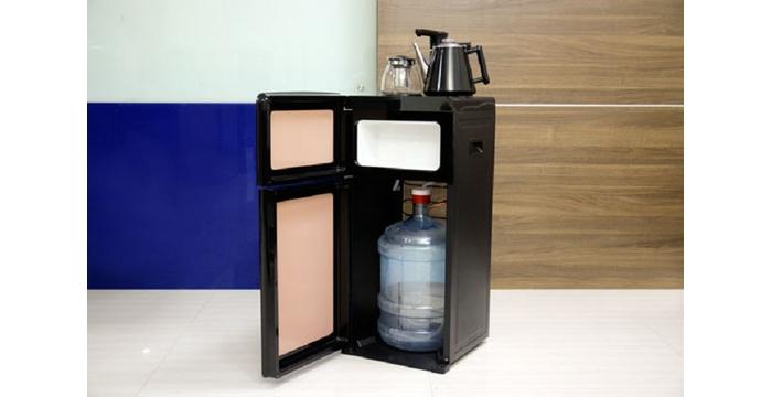 Có nên dùng bình úp cây nước nóng lạnh không?
