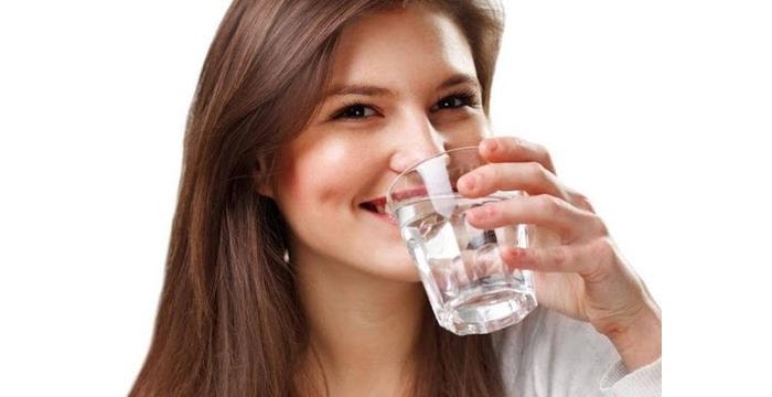 Nước có tác dụng gì với các chức năng trong cơ thể?